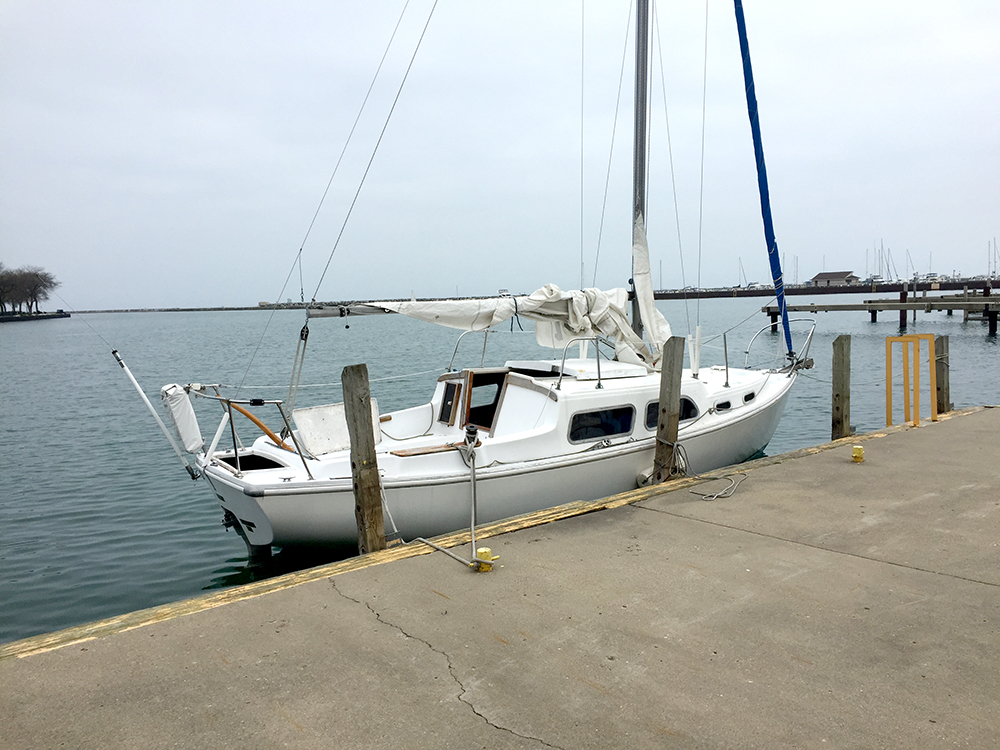 26 foot Coronado sailboat