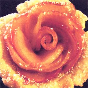 Baked rose apply tart