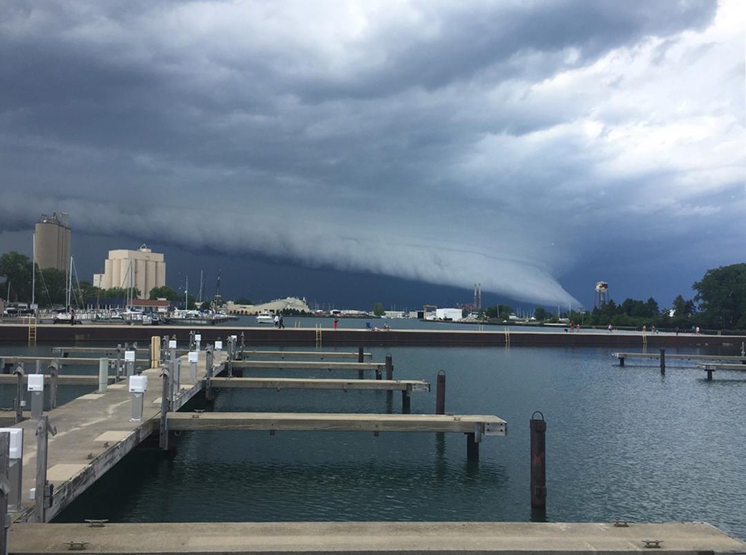 Wall cloud in Waukegan